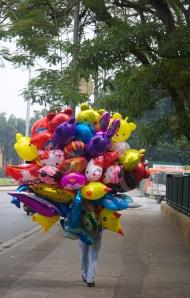 Luftballons vor dem Ho Chi Minh Mausoleum