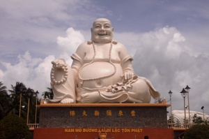 Happy Budda - Wat im Mekongdelta