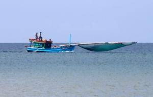 Phu Quoc - Fischerboot mit vollem Netz