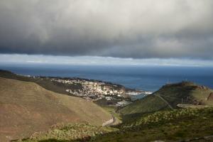 Dunkle Wolken über San Sebastian