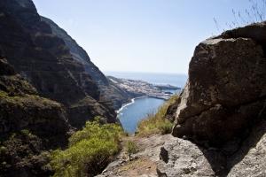 Blick aus der Höhe auf den Atlantik und Los Gigantes