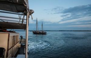 JULI - Das deutsche Segelschiff Landrath Küster gerät auf dem Weg zur Hansesail in Rostock in Dänemark auf eine Sandbank und muss frei gezogen werden