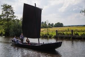 August - Besuch in der Heimat - Torfkahn auf der Hamme in Worpswede -