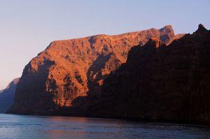 Morgenlicht auf der Felswand