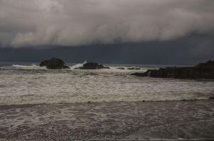 Regen zieht über den Atlantik heran