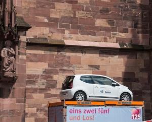 Auto vor dem Münster