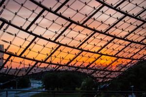 Sonnenuntergang durch Plexiglas