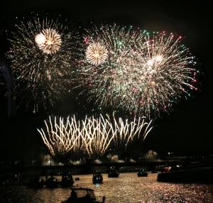Feuerwerk auf der Brücke