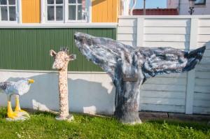 Giraffenhals und Walflosse