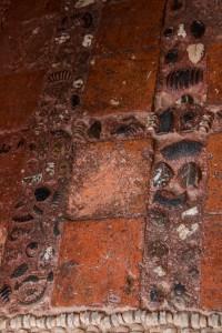 Villa de Leyva - Fußboden aus Steinfliesen und Knochen