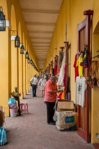 Cartagena - Arcaden mit kleinen Läden