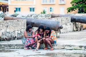 Cartagena - Handy unter der Kanone