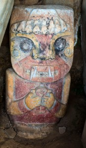 San Augustin - Pelota - farbige Figuren