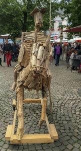 ein Pferd aus Treibholz